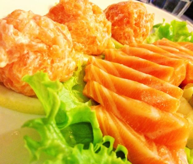 Tartare and salmon sashimi