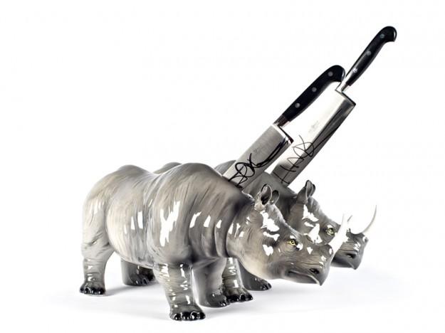 Twins rhinos 50x60
