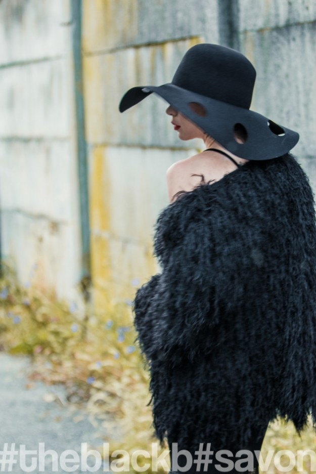 HAT_venusinfur_00182